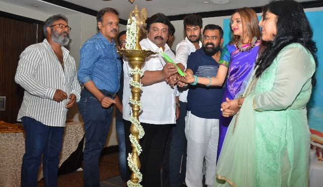 college-kumar-movie-poojai-stills-1