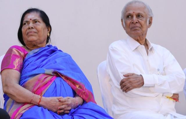 Felicitation Function Photos Of Legendary Writer Kalaignanam (27)