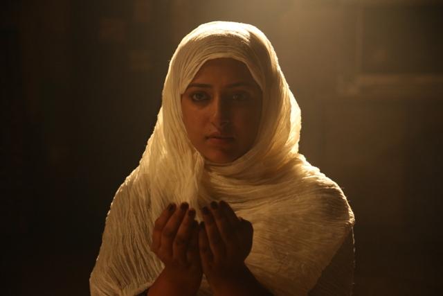 Actress Anu Siddhara